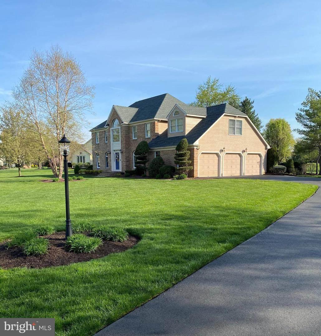 637 Saratoga Drive - Photo 1