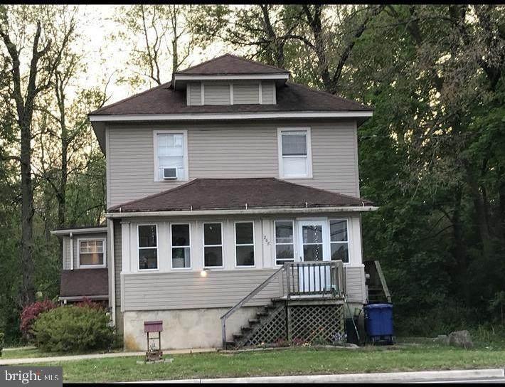 208 Hartford Road - Photo 1