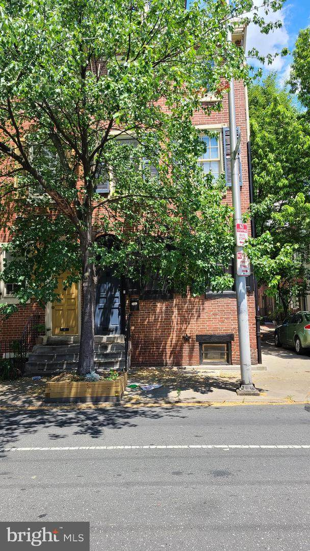 1237 Lombard Street - Photo 1