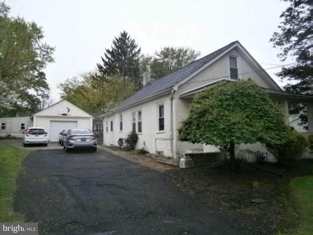 2836 Mount Vernon Avenue - Photo 1