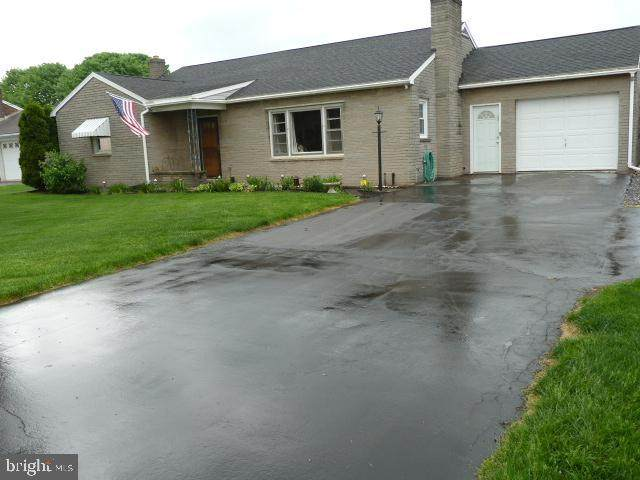 4079 Molly Pitcher Highway, CHAMBERSBURG, PA 17202 (#PAFL179592) :: Corner House Realty