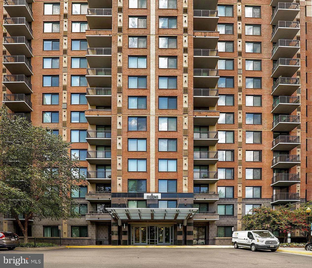 2451 Midtown Avenue - Photo 1