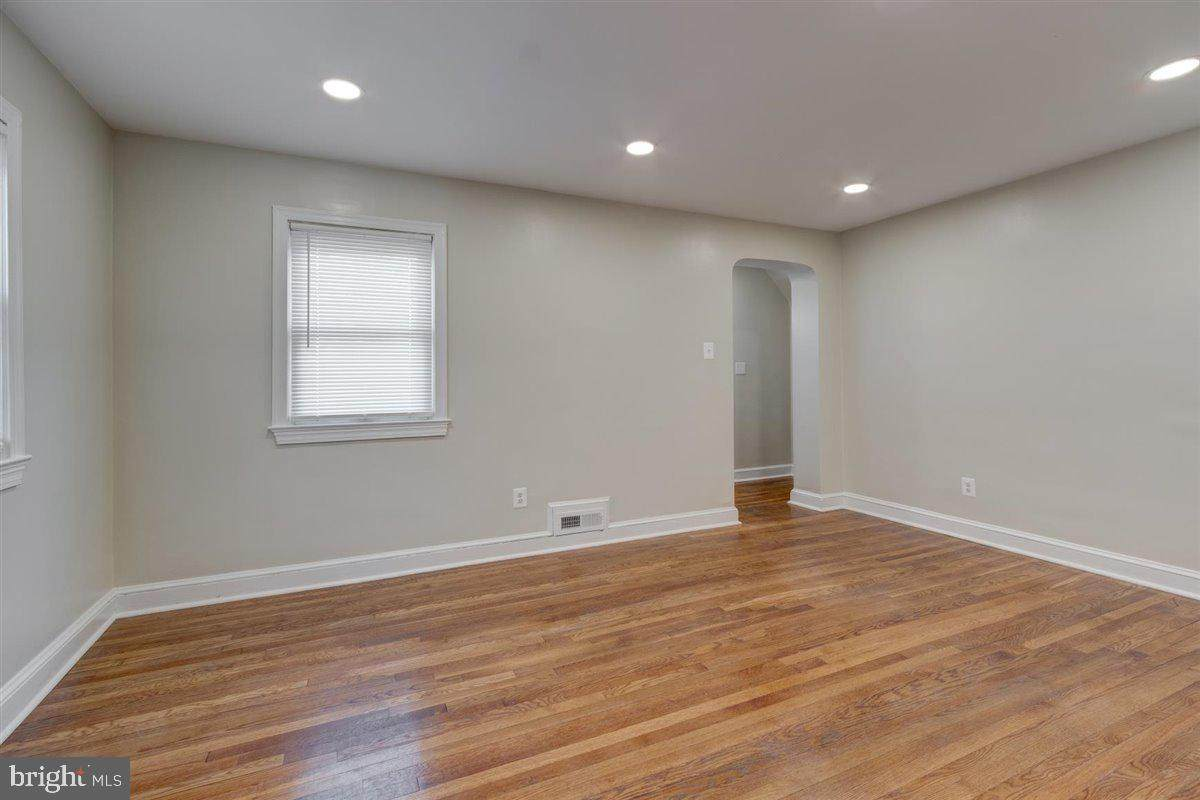 807 Thurman Avenue - Photo 1