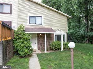 5626 Summer Oak Way, BURKE, VA 22015 (#VAFX1198066) :: The Putnam Group