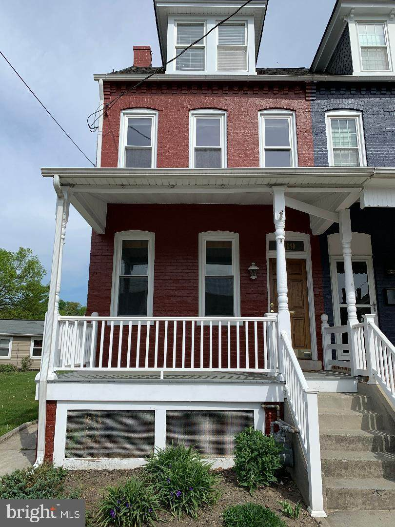 839 Spruce Street - Photo 1