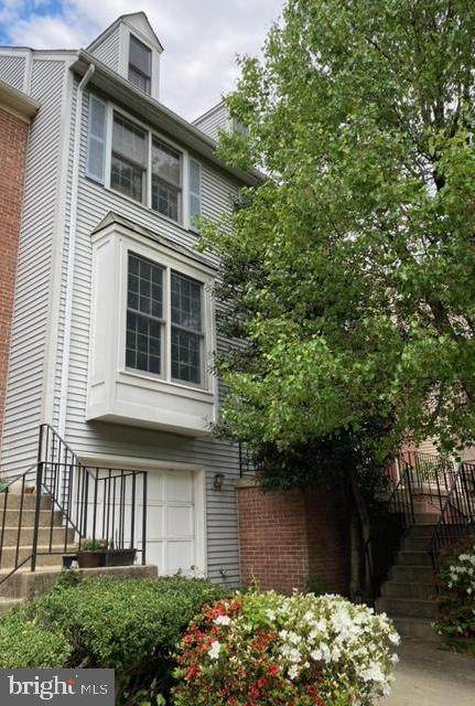 6378 English Ivy Way, SPRINGFIELD, VA 22152 (#VAFX1198140) :: Nesbitt Realty