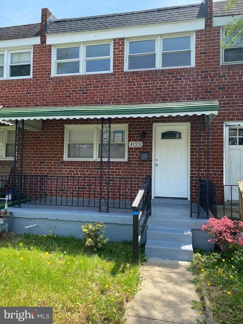4123 Townsend Avenue - Photo 1