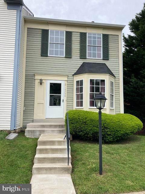 14750 Green Park Way, CENTREVILLE, VA 20120 (#VAFX1198644) :: Jacobs & Co. Real Estate