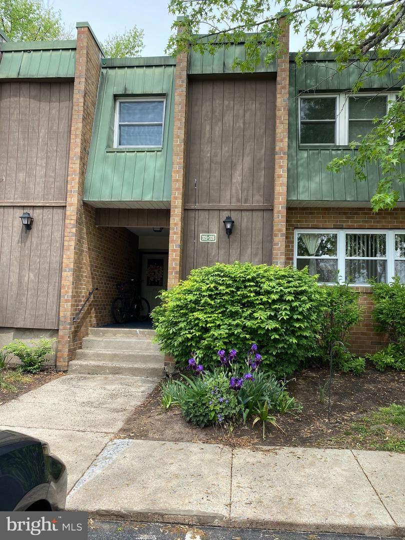325 Meadowview Lane - Photo 1