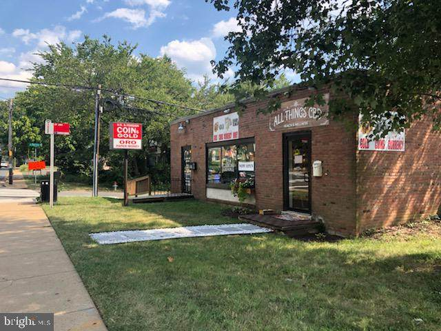 901 W Broad Street, FALLS CHURCH, VA 22046 (#VAFA112100) :: Nesbitt Realty