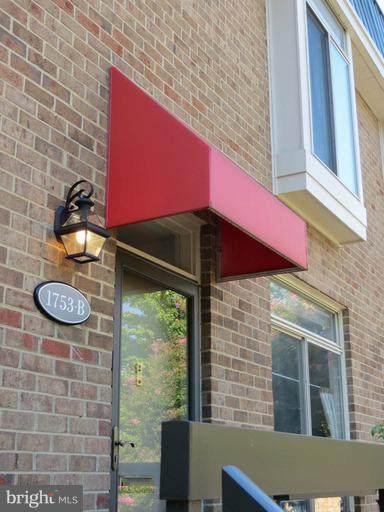 1753 Hayes Street #2, ARLINGTON, VA 22202 (#VAAR181126) :: Arlington Realty, Inc.