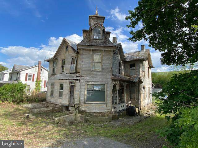 188 E Main Street, THOMPSONTOWN, PA 17094 (#PAJT101054) :: The Matt Lenza Real Estate Team