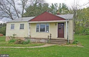 3745 Sweet Arrow Lake Road, PINE GROVE, PA 17963 (#PASK135382) :: Ramus Realty Group