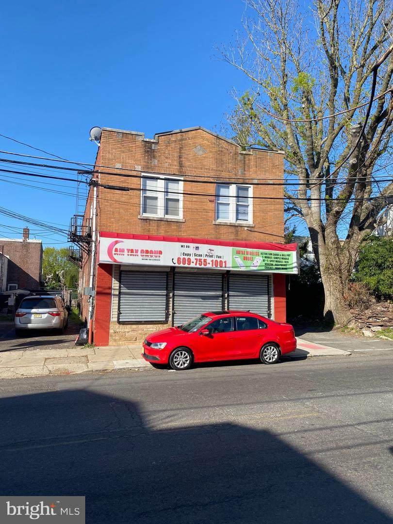1009-1011 Olden Avenue - Photo 1