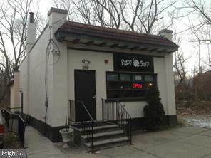 300 Maple Avenue - Photo 1