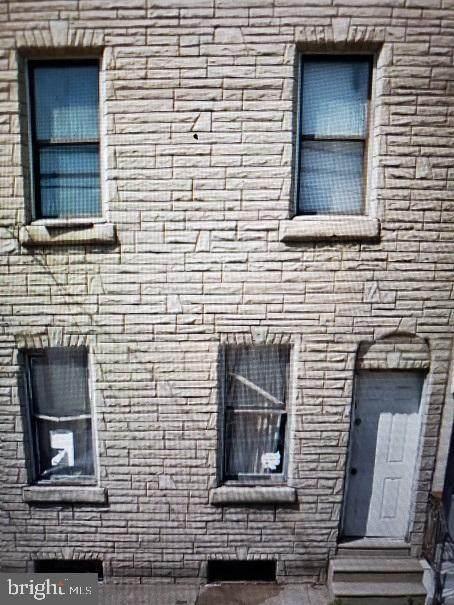 3404 10TH Street - Photo 1
