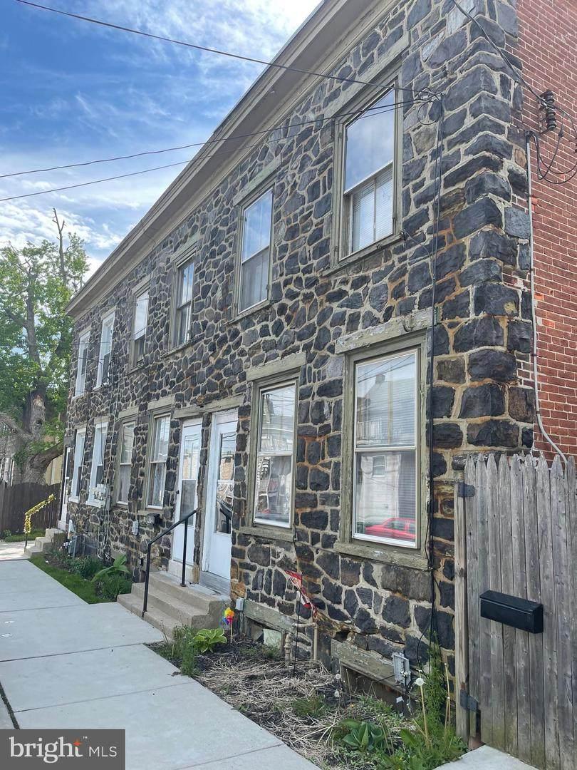 412 Chestnut Street - Photo 1
