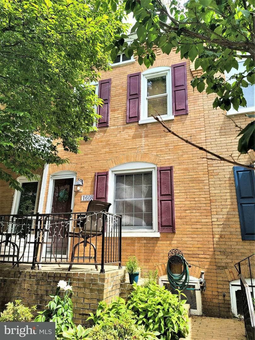 1608 Laurel Street - Photo 1