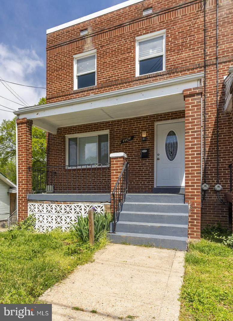 4404 Clay Street - Photo 1