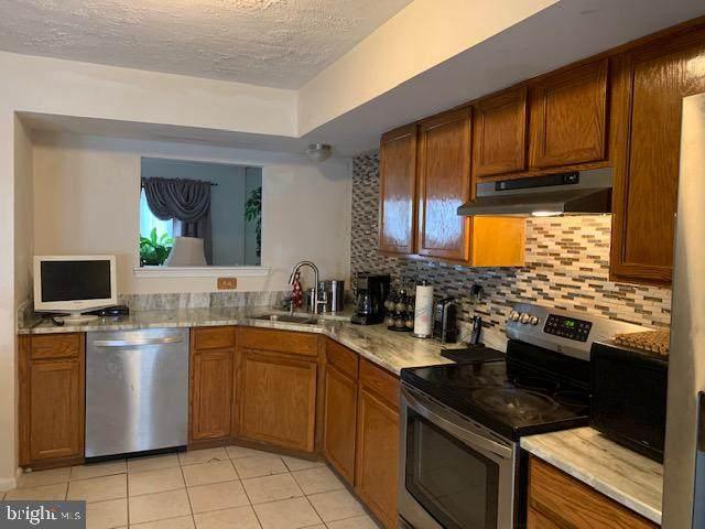 2702 Claybrooke Drive, BALTIMORE, MD 21244 (#MDBC530430) :: Jennifer Mack Properties