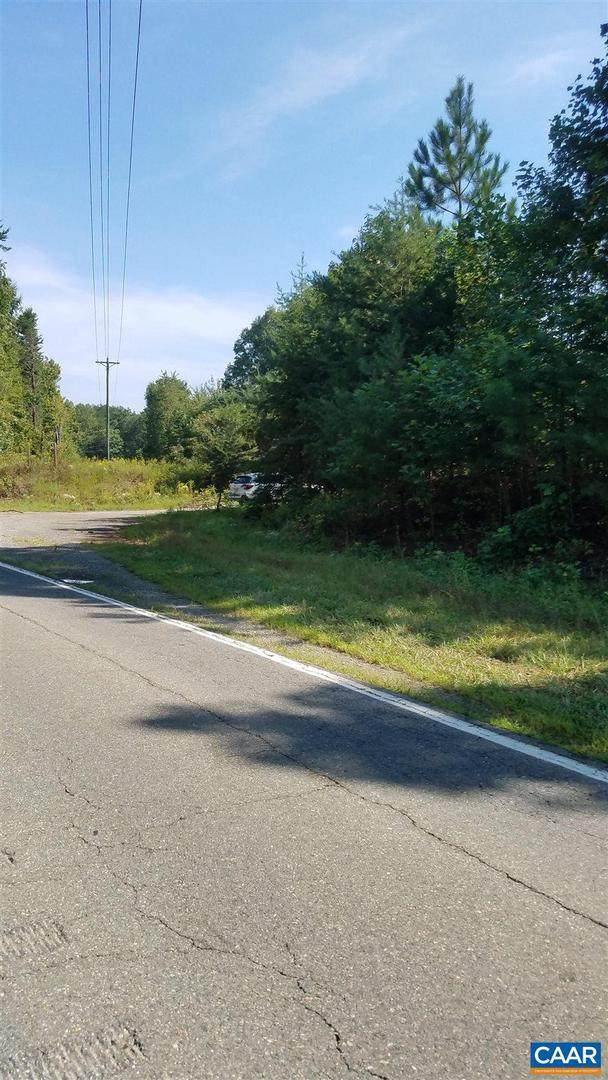 3816 Kentucky Springs Road, BUMPASS, VA 23024 (#617970) :: Century 21 Dale Realty Co
