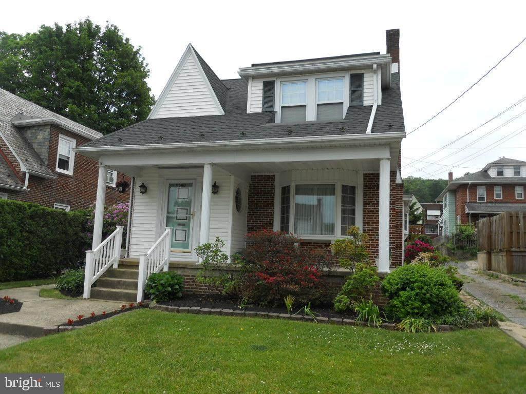 2540 Cumberland Avenue - Photo 1