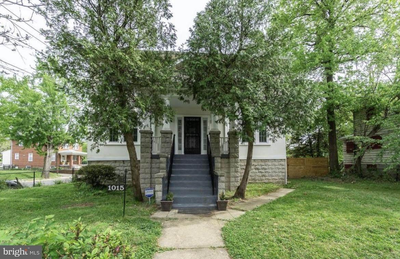 1015 Savannah Street - Photo 1