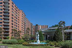 4201 Cathedral Avenue NW 404W, WASHINGTON, DC 20016 (#DCDC524356) :: Cortesi Homes