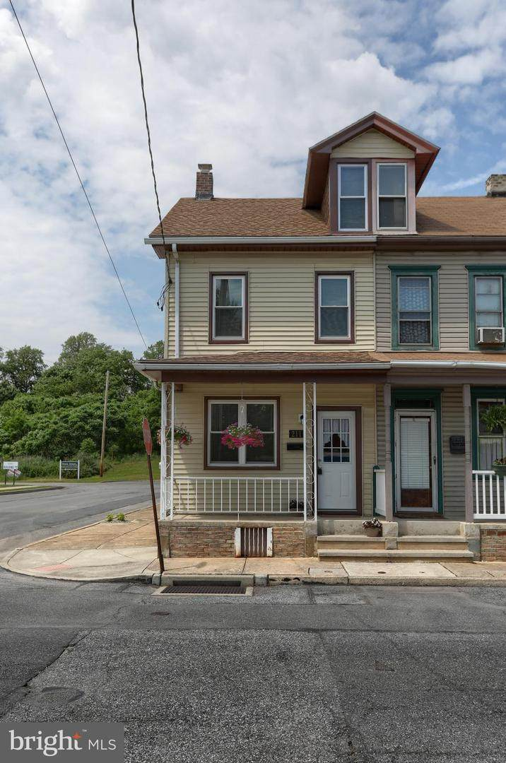 211 Guilford Street - Photo 1