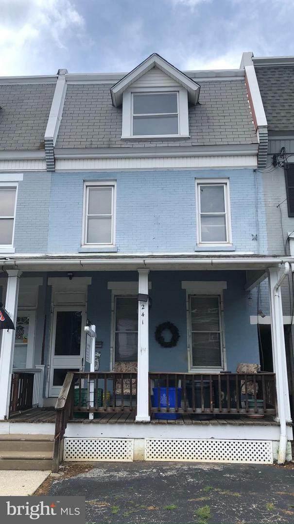 241 Rochelle Avenue - Photo 1
