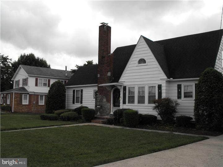 844 Forest Street - Photo 1