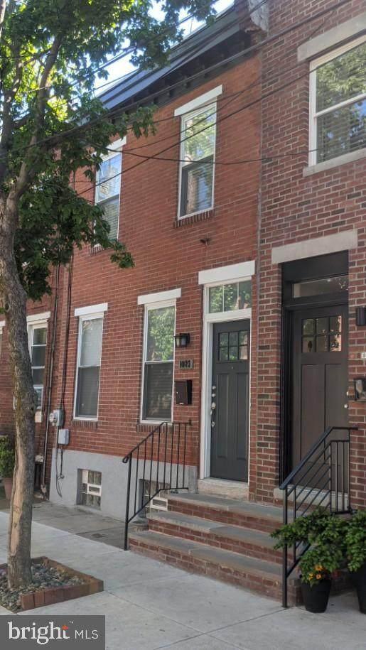 1023 S Chadwick Street, PHILADELPHIA, PA 19146 (#PAPH1025462) :: Mortensen Team