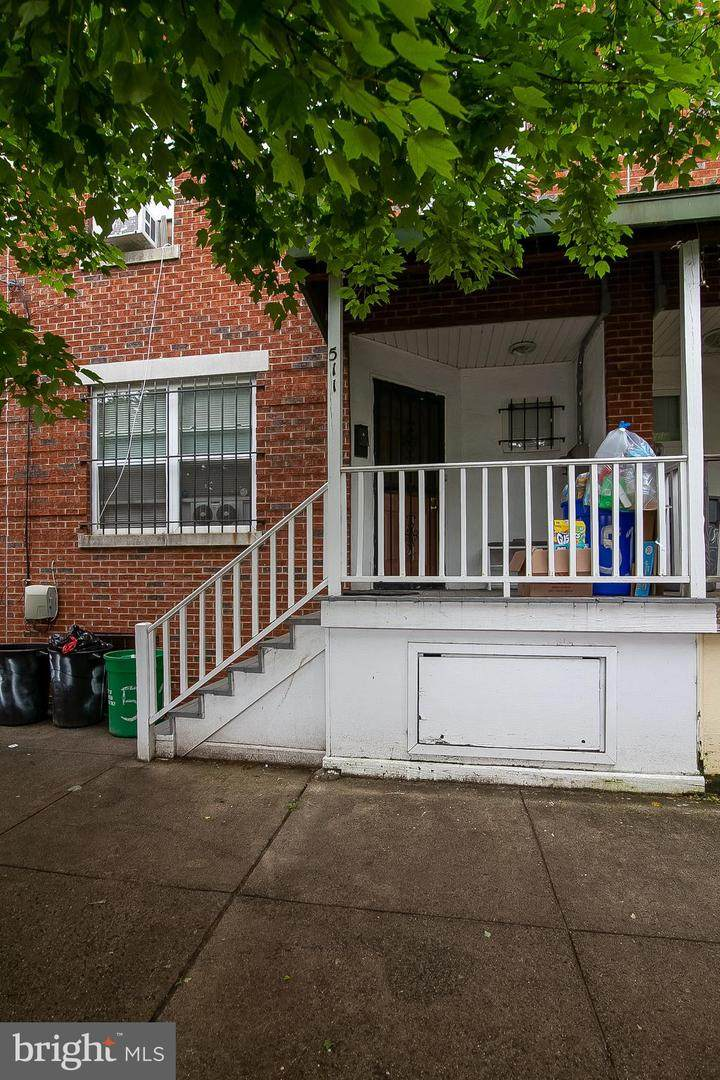 511 6TH Street - Photo 1