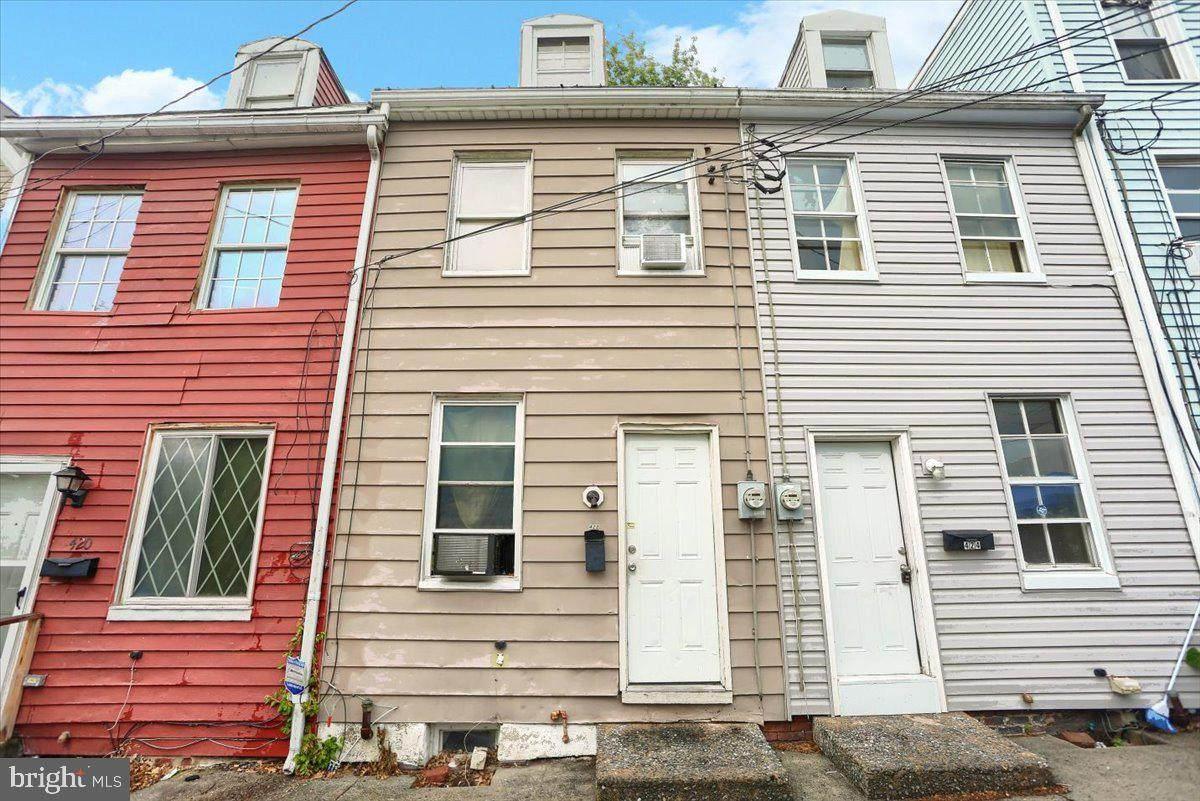 422 Hamilton Street - Photo 1