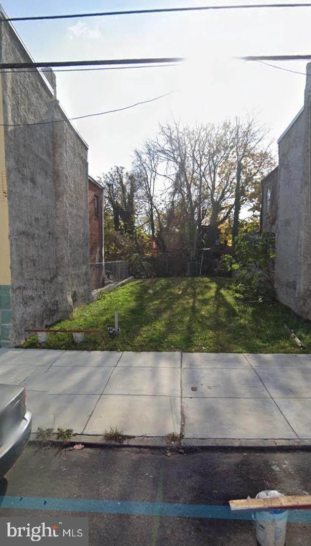 2040 W Glenwood Avenue, PHILADELPHIA, PA 19132 (#PAPH1028152) :: Shamrock Realty Group, Inc