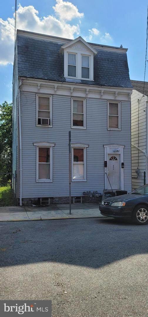202 N Penn Street, YORK, PA 17401 (#PAYK160576) :: LoCoMusings