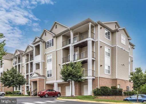 13502 Derry Glen Court #301, GERMANTOWN, MD 20874 (#MDMC764244) :: Revol Real Estate