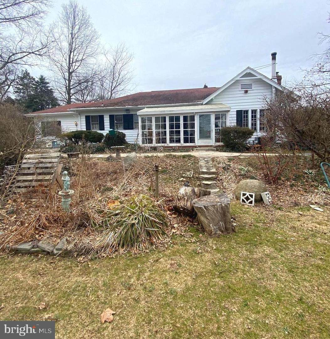 1036 Arbuta Road - Photo 1