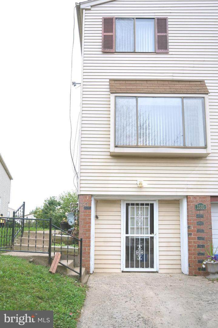1510 Marcy Place - Photo 1
