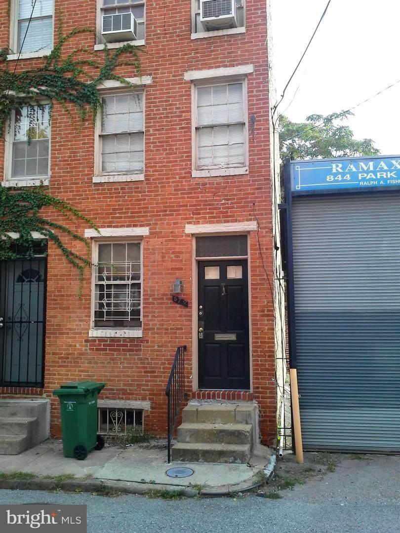 879 Tyson Street - Photo 1