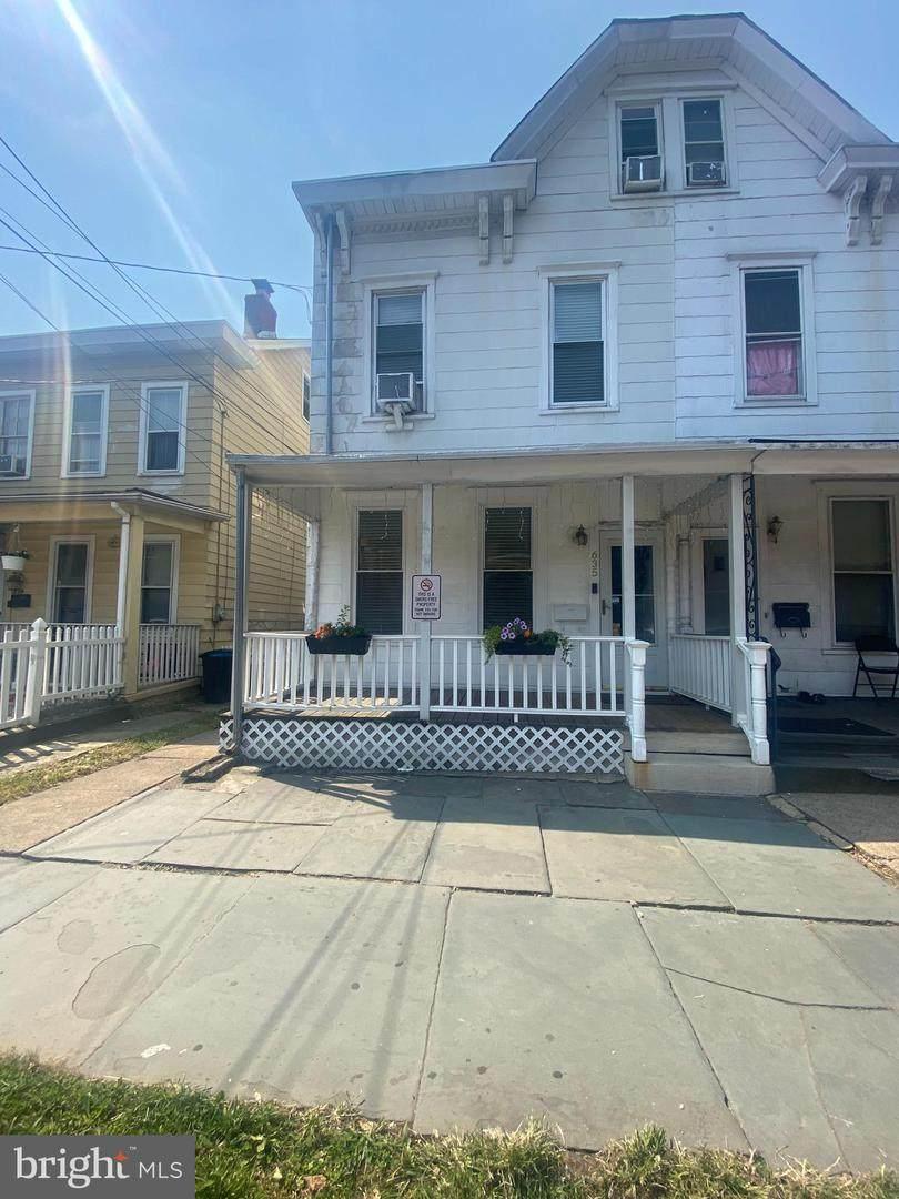 635 Chambers Street - Photo 1