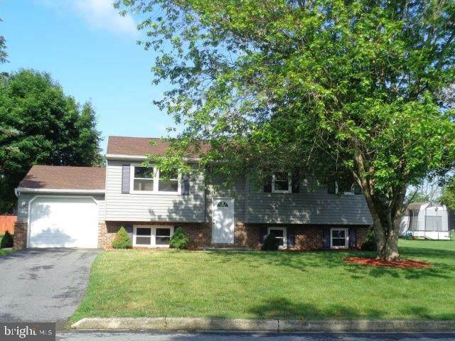 2110 Douglas Drive, CARLISLE, PA 17013 (#PACB2000128) :: Iron Valley Real Estate