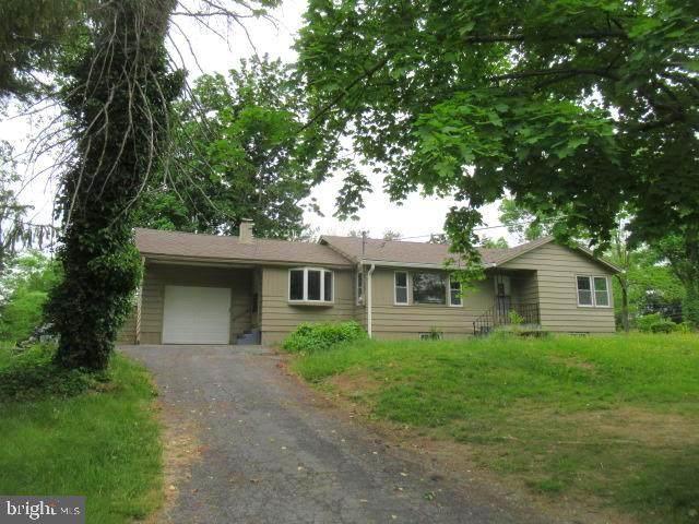 413 Piketown Road, HARRISBURG, PA 17112 (#PADA2000166) :: Iron Valley Real Estate