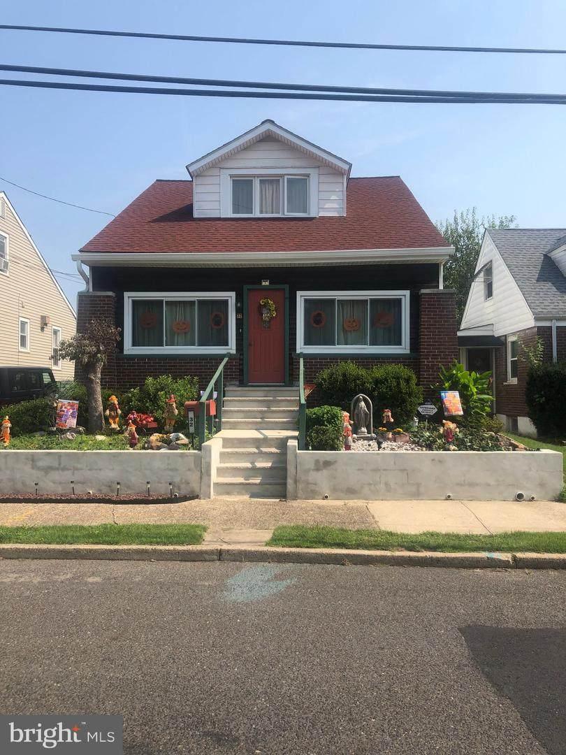 32 Jeremiah Avenue - Photo 1