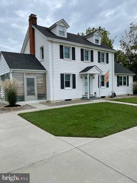 617 Jefferson Avenue, CHARLES TOWN, WV 25414 (#WVJF2000033) :: The Matt Lenza Real Estate Team