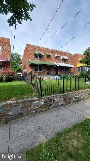 420 Orange Street SE, WASHINGTON, DC 20032 (MLS #DCDC2000982) :: PORTERPLUS REALTY