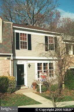 5713 Heritage Hill Court, ALEXANDRIA, VA 22310 (#VAFX2001043) :: Dart Homes