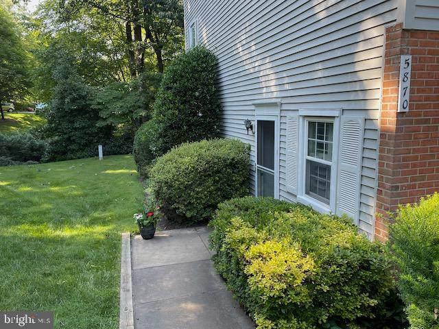 5870 First Landing Way #156, BURKE, VA 22015 (#VAFX2001824) :: Debbie Dogrul Associates - Long and Foster Real Estate