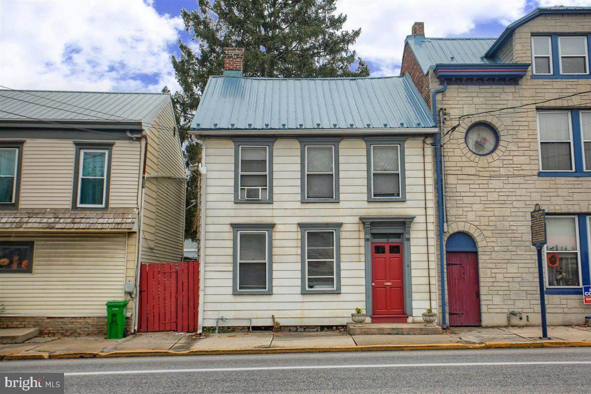 347 Hanover Street - Photo 1
