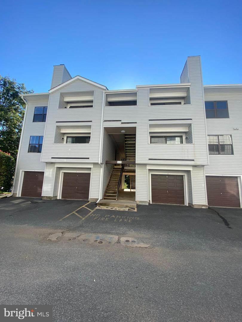 1649 Carriage House Terrace - Photo 1